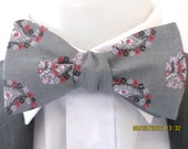 Mens bowtie  - Grey and pink floral paisley design ~ gray floral ~ wedding ~ pink paisley