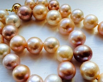 Necklace with huge 16-17mm pastel pink pearls, 9ct clasp