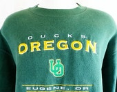 Go UO Ducks vintage 90's University of Oregon dark forest green fleece graphic sweatshirt yellow gold white embroidered logo crewneck large
