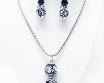 Black /Silver w/Rhinestone Cloisonné Bead Pendant Necklace & Earrings Set