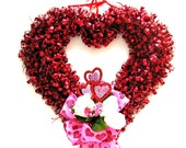 Heart shaped tinsel wreath/ Valentine's Day wreath/ Valentine tinsel wreath/ Red heart door wreath/ Heart shaped door decoration ( V73)