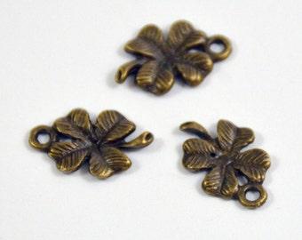 40 Charm Retro clover Antique Brass bronze Plated Victorian Pendants Base Link Beads ----- 11mmx 17mm ----- 40 Pieces E02