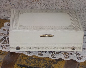Vintage White and Gold Jewelry Box /Not Included in any Coupon Sale/:)S