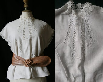 Vintage 1950's White shirt short sleeves, linen and lace