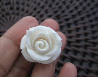 AAA Hand Rose,3D rose,  Buffalo bone carving ,Jewelry making Supplies B6303