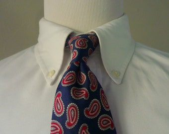 Vintage Brooks Brothers Red & White Black Paisleys on Navy Blue Trad / Ivy League Neck Tie.  Made in USA.