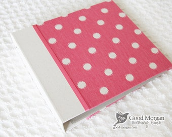 0 to 12 months Baby Memory Book - Pink Dots