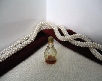 SCHIAPARELLI  PARFUM SI Vintage Collectible Perfume Bottle Hard to Find Made in France 1957 Chianti Mini Bottle Miniature Figural