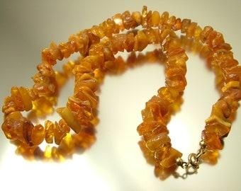 Vintage/ estate jewelry/ antique, retro, 1970s/ 80s butterscotch/ honey unpolished amber nugget necklace - 29 grams
