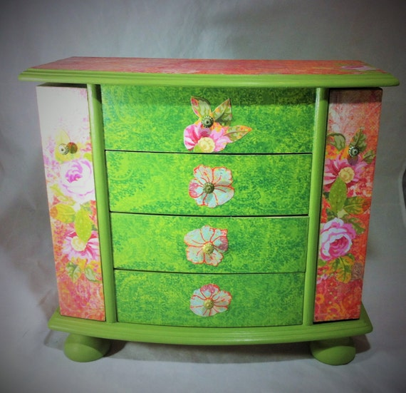 Large boho jewelry box armoire green and pink jewelry for Girls large jewelry box