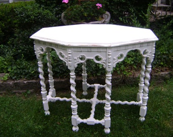 unique shabby chic 8 turned leg table