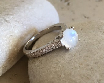 Moonstone Promise Ring- Classic Moonstone Engagement Ring- Round Moonstone Anniversary Ring- June Birthstone Ring