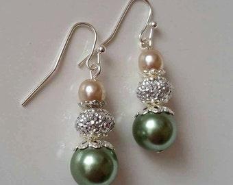 Bridesmaid earrings, wedding jewelry, earrings, green earrings, pearl earrings, spring earrings, bridesmaid gifts, wedding jewelry, gifts