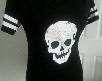 Black skull shirt size medium 7-9