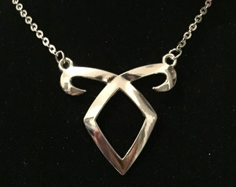 Shadowhunters / The Mortal Instruments inspired necklace - Angelic - Ruins