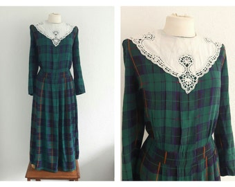 Vintage 70s Green Plaid Tea Dress - Tartan Autumn Winter Dress - White Crochet Bib