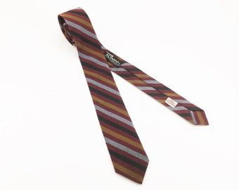 1950s Skinny Necktie Mad Men Era Men's Vintage Striped Skinny 100% Dacron Polyester Tie from Bergner's Peoria