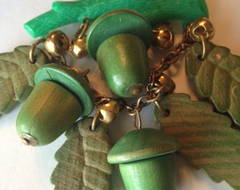 Vintage 1940 WOODEN BROOCH ~ Green Celluloid Branch ~ Green Dangling Wooden Acorns & Leaves ~ Large