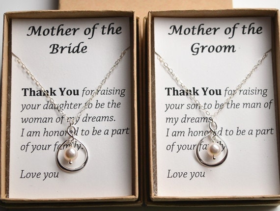 Gift Ideas For Bride And Groom From Best Man : Set of 2 Mother of the bride and groom gift cards necklace-2