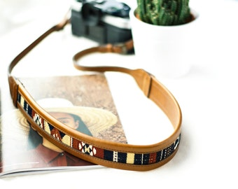 THE WANDERLY | Leather Camera Strap, Brown Camera Strap, Boho Camera Strap, Leather Strap, Female Photographer, Handmade Strap, Navajo Strap