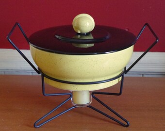 Fabulous Mid Century Modern Casserole with Lid Chafing Dish with Wire Warming Stand