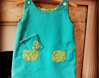 Girls reversible dress with matching purse. Age 4-5
