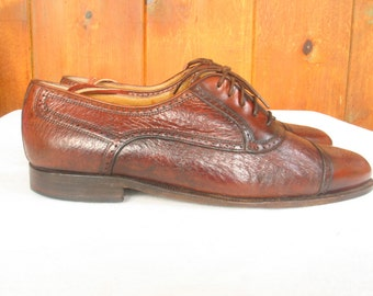Johnston & Murphy Men's Brown Leather Wing Tip Crinkle Leather Beautiful Italian Oxfords size 10.5 excellent vintage
