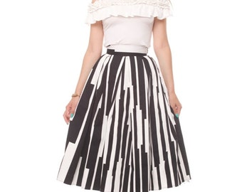 Black And White Pleated With Pockets Custom Made Skirt Stripes Mid Skirt With Tutu Underskirt