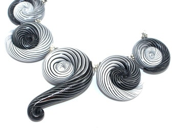 Strips Ombre beads, Polymer clay beads in black, gray and white, Ombre artisan clay beads for Jewelry making, 5 color gradient spiral beads
