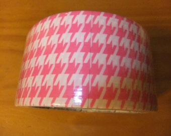DESIGNER DUCT TAPE/Pink And White Houndstooth Duct Tape