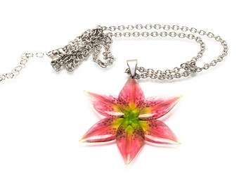 Lily necklace. Comes in a gift box.