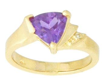 14Kt Yellow Gold Alexandrite & Diamond Trillion Ring