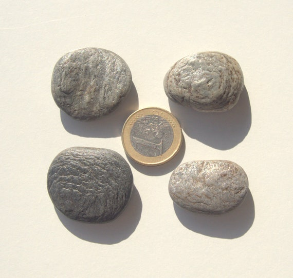 4 grey flat pebbles beach stones craft supplies beach for Flat stones for crafts