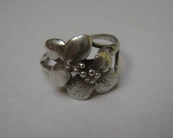 vintage handmade two blossom ring, size 7.5