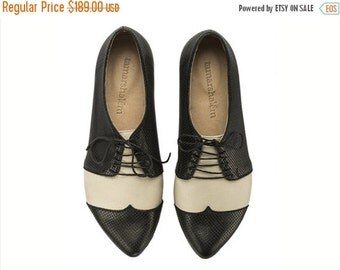 September sale Black and white oxford shoes Polly Jean / B&W handmade flat leather shoes