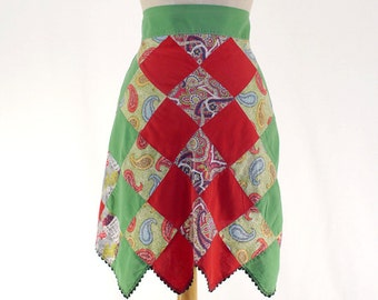 Vintage Women's Apron / Patchwork Half Apron / Red & Green Apron / Paisley Print Apron