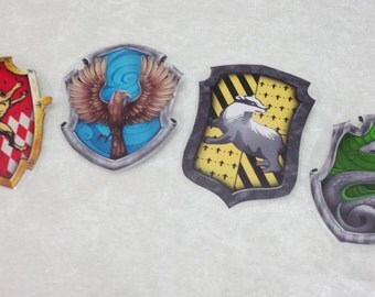 Hogwarts House Crest Pins Party Favors (Harry Potter)