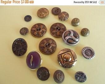 sale Vintage Metal Button /Lot