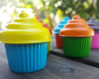 Cupcake crayons set of 20 - party favors