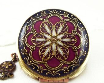 Filigree Locket, Burgundy Filigree Flower Locket, Vintage Locket Photo Locket, Valentine Gift For Her, Wedding Locket