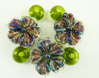 Glass lampwork beadset flowers.