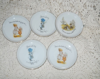 Holly Hobbie four inch dishes in perfect condition set of five Holly Hobbie memories circa 1973