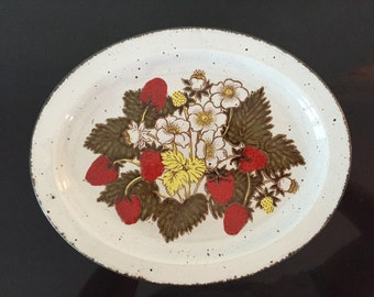 Stonehenge Midwinter Strawberry Serving Platter 12""