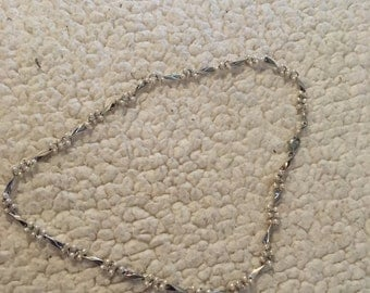Very nice silver tone necklace in great condition