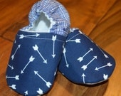 Navy and White Arrow/ Tribal Baby Shoes/ Baby booties