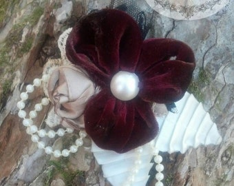 THE YESTERYEAR COLLECTION Vintage Style Fabric Brooch Upcycled Velvet Pansy Pearls