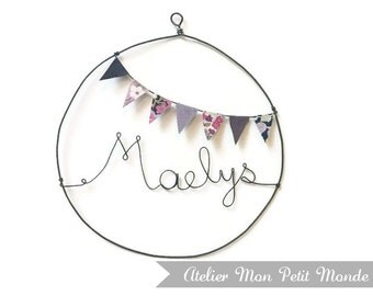 Circle name wire of iron and pennants, wall decoration, text and color options dimensions