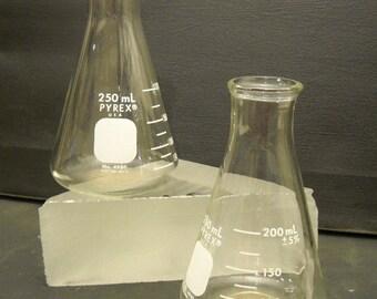 Pyrex Laboratory Beakers 250ml set of 2
