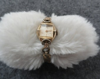 Swiss Made Lathin 17 Jewels Vintage Wind Up Watch