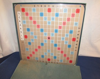 DELUXE SCRABBLE 1966 Selchow and Righter Turntable Scoring Pegs